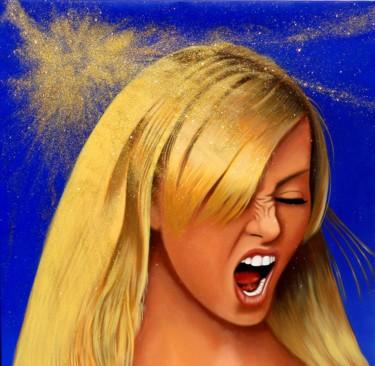 Charlize-loves-gold
